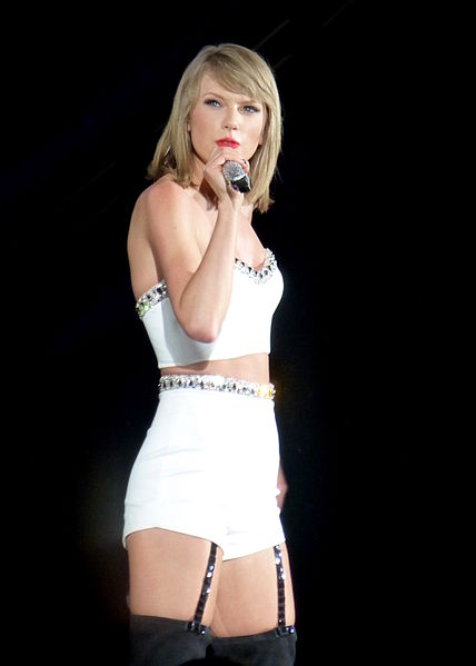 long legs, Taylor Swift news