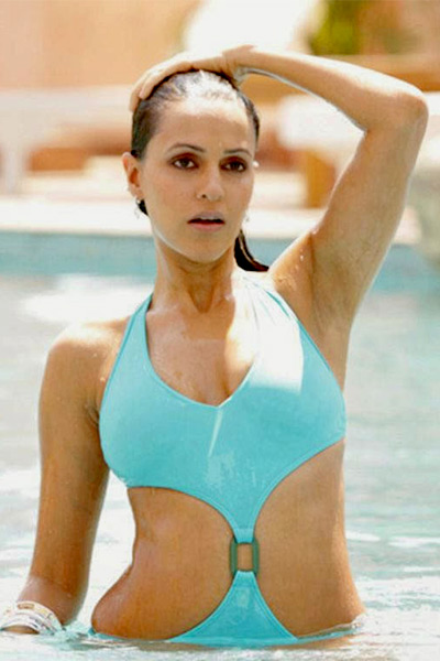 neha-dhupia-in-hot-blue-monokini-201608-766699